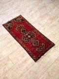 NO216 ヤストゥク 手織り絨毯 厚めのマットタイプ