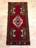 NO1077 ヤストゥク 手織り絨毯 厚めのマットタイプ
