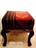 手織り キリムの木製椅子 オットマン